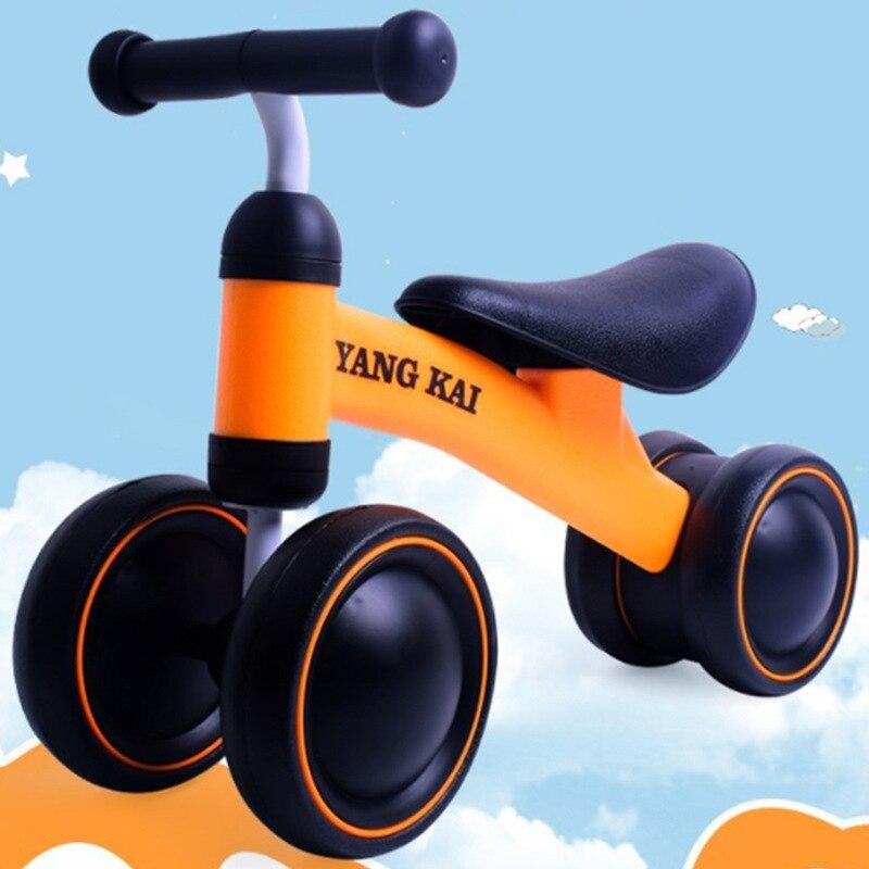 Bebé triciclo juguetes de montar en coches niños cuatro bicicleta ruedas equilibrio Scooter bicicleta sin Pedal bicicleta bebé caminador automóvil