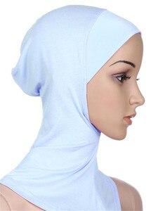 Image 3 - Gorros deportivos musulmanes para niñas, Hijab, para interiores, Islamic, suaves, elásticos, bajo la bufanda, sombreros, estilo clásico cruzado, venta al por mayor