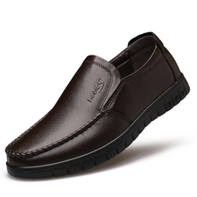Genuine Leather Men's Casual Shoes Luxury Brand Mens Loafers Flats Breathable Slip on Black Driving Shoes mycolen spring high quality genuine leather shoes men flats fashion loafers mens flats slip on driving shoes male brand shoes