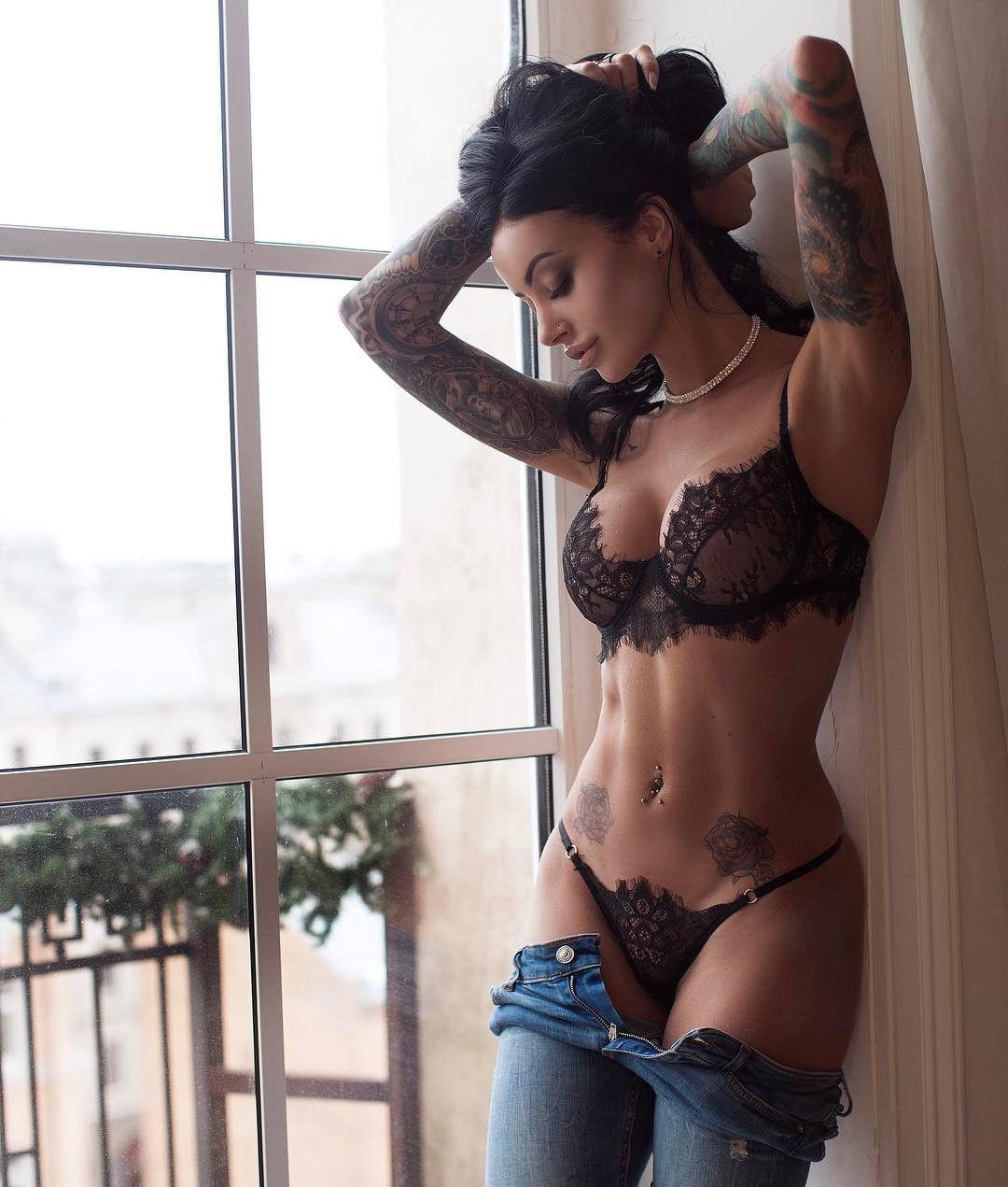 Frauen Sexy Spitze Set Aushöhlen Exotische Bh G-String Tanga Elegante Unterwäsche Extreme Nachtwäsche Lenceria Femenina Neue Heiße