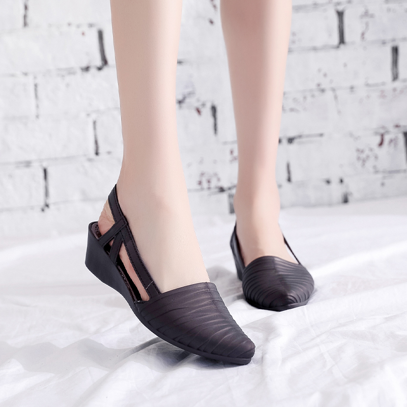 Woman Wedges Sandals 2021 Women Slip-on Jelly Shoes Ladies Casual Pumps Female Summer Beach Slippers Women's Casual Footwear 3