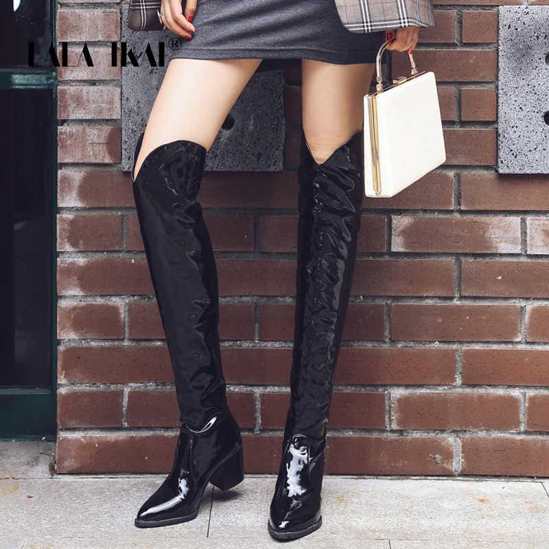 LALA IKAI kadınlar diz çizmeler üzerinde Pu deri seksi parti serpantin çizmeler kadın sivri burun su geçirmez kare topuklu XWC5492-4