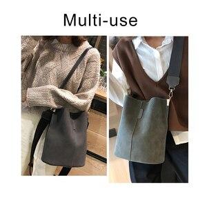 Image 2 - בציר מזדמן דלי שקיות לנשים כתף תיק מוצק דפוס באיכות עור מפוצל שליח תיק גדול Tote פופולרי סגנון 2020