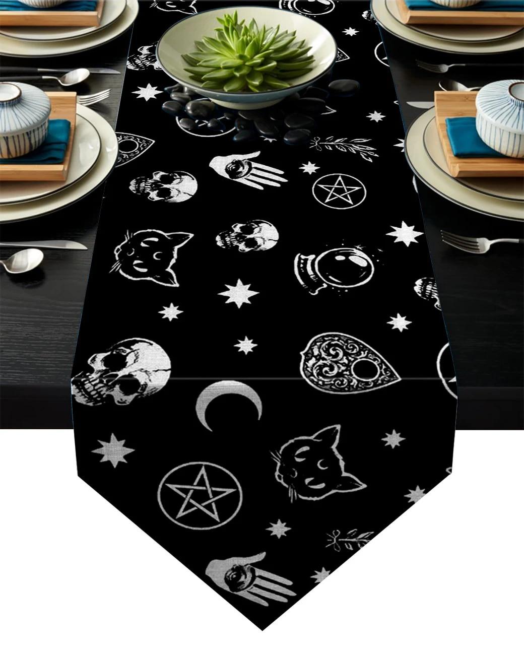 Halloween Black with Silver Skull /& Crossbone 13x54 Table Runner NWT
