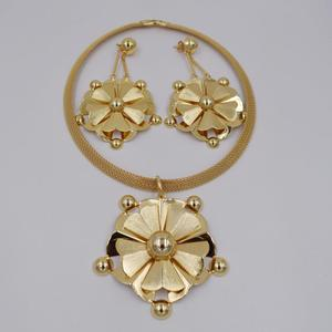 Image 4 - High Quality Dubai 3color Gold color Jewelry Set For Women african beads jewlery fashion necklace set earring jewelry