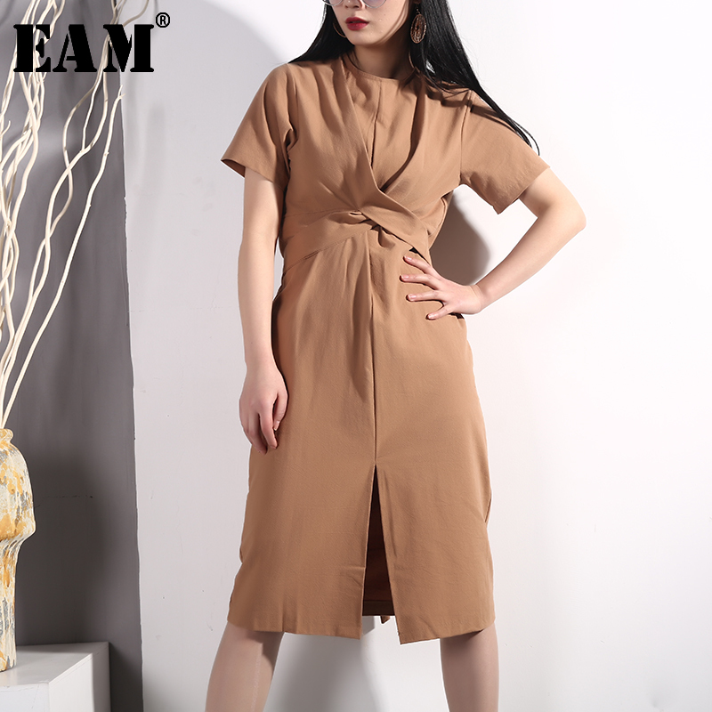 [EAM] 2020 New Spring Summer Round Neck Short Sleeve White Loose Waist Knot Bandage Hem Vent Dress Women Fashion Tide E410