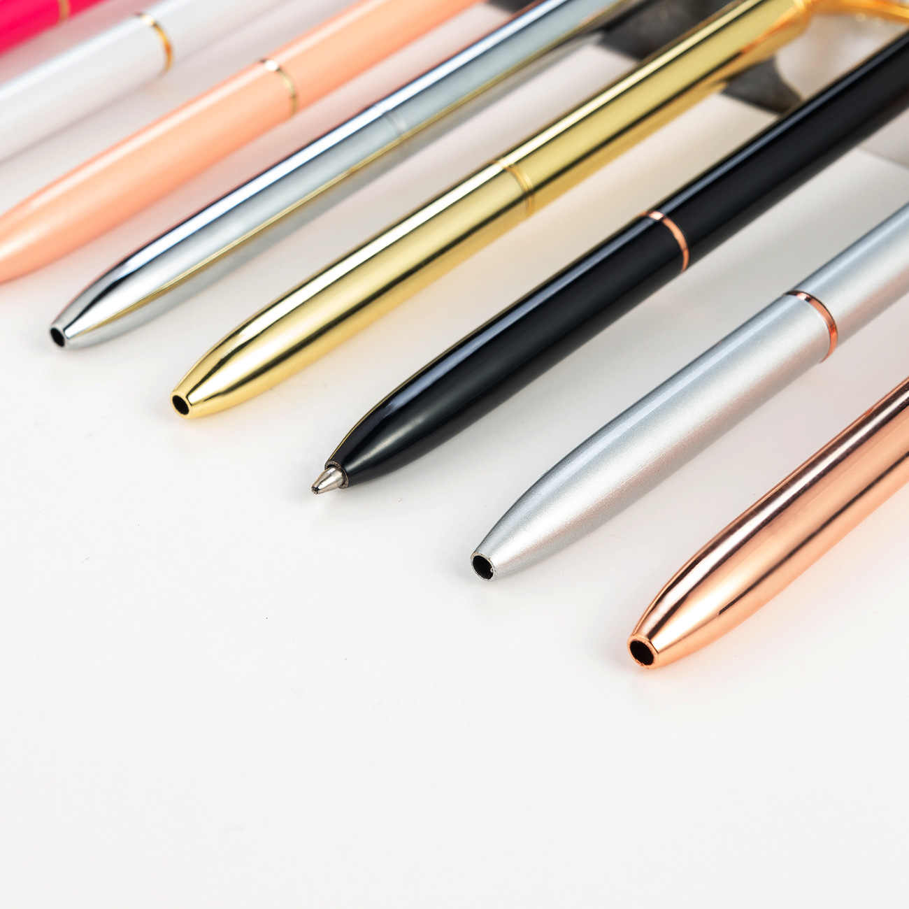 21 kolor duży diament kryształowy długopis Gem kulkowe długopisy pierścień ślub metalowy długopis Kawaii magiczne pióro moda szkolne materiały biurowe