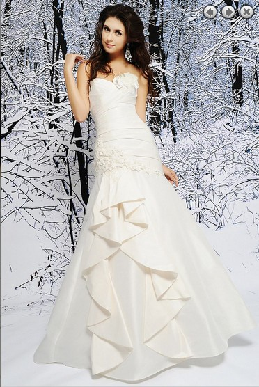 Free Shipping 2018 New Designer Fashion Long Sweetheart Plus Size Brides Simple Bridal Gown Beaded Mother Of The Bride Dresses