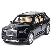 1:24 Rolls Royce Cullinan Legierung Auto Modell Große Größe Simulation SUV Metall Auto Modell Licht Sound Pull Zurück skala auto blumenglasflasche auto