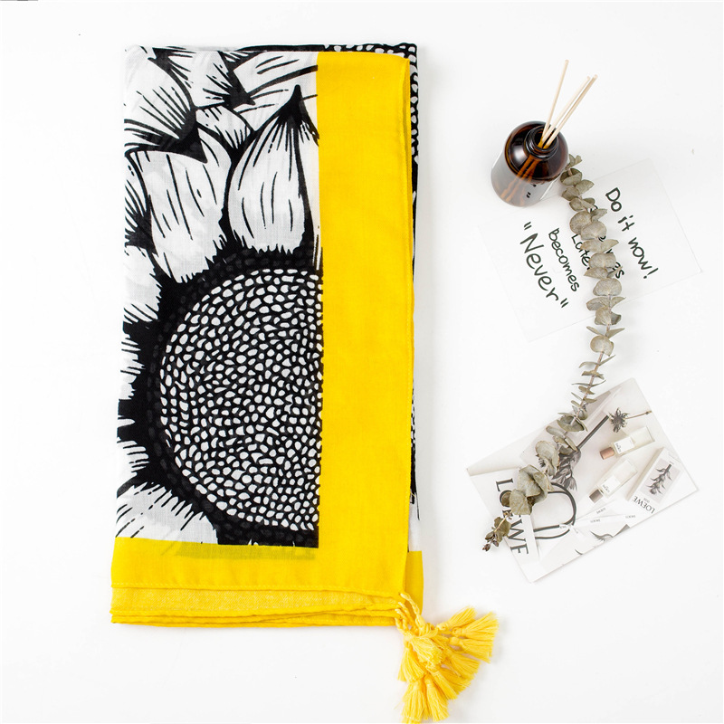 2020 Lady Cotton Shawl Autumn And Winter Hijab Scarf Beach Blanket Silk Scarf Yellow Print Women's Cotton Material Tassels Scarf