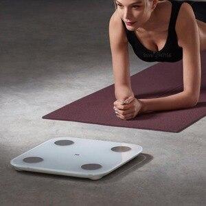 Image 4 - 100% Original Xiaomi Mi 스마트 바디 팻 스케일 2 Mifit APP 바디 컴포지션 모니터 LED 디스플레이 숨겨진 및 큰 피트 패드