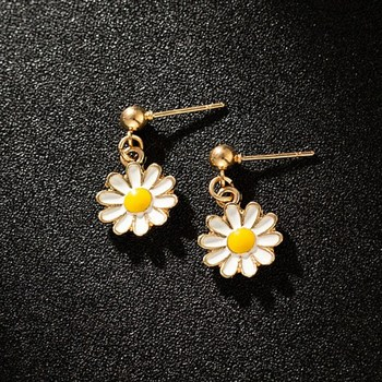 Korean Personality White Daisy Earrings Ethnic Flowers Girls Cute Women's Jewelry Brincos Factory Wholesale - discount item  42% OFF Fashion Jewelry