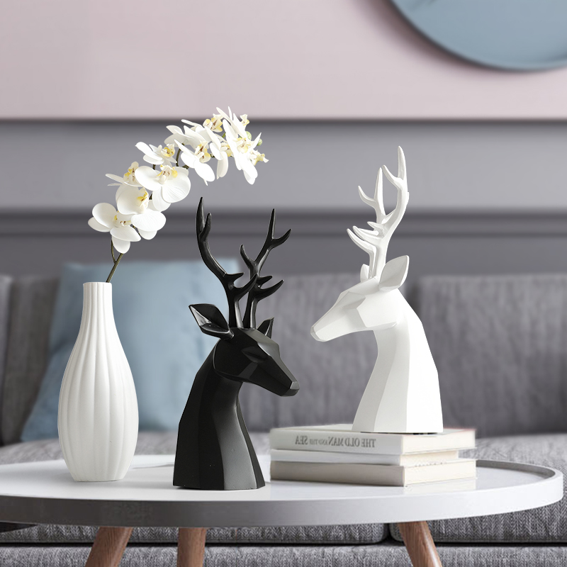 Home Decoration Accessories Deer Figurine Resin For Office Home Garden Desk Decoration For Living Room Bedroom Friend Gift