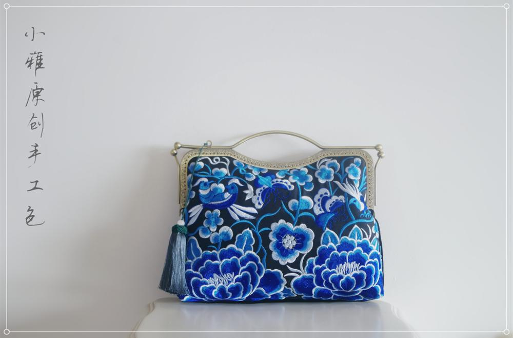 Angelatracy Vintage Big Generous Flower Bird Blue Traditional Mouth Gold Package Day Clutch Metal Frame Mouth Gold Handbag