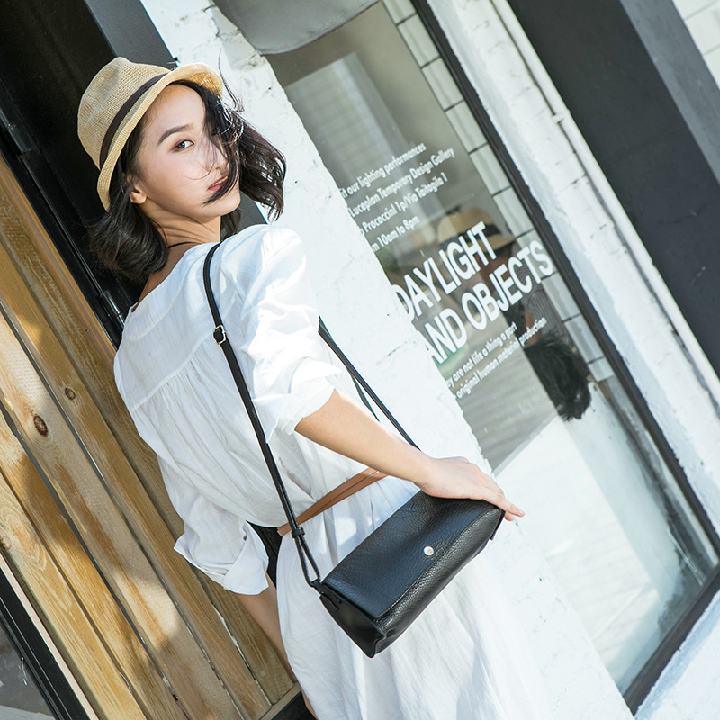 Day Woman Package Single Shoulder Span Small Bag Concise Head Layer Cowhide Soft Leather Oblique Satchel