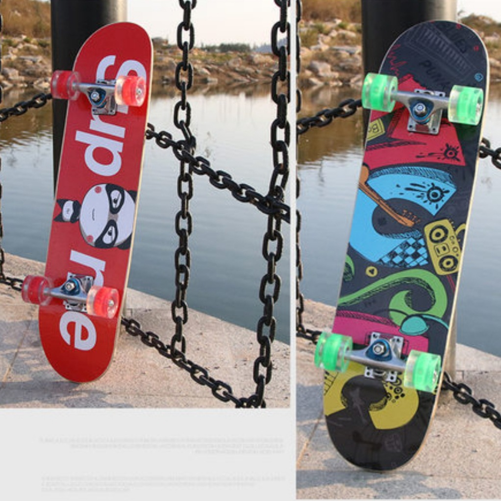 Manufacturers Four Roller Skating Baby Universal Scooter Board Sports Skateboard 7 Laminates Rough Holder Adult Scooter