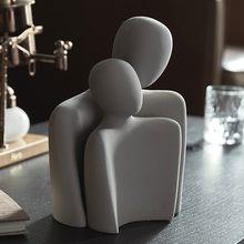 Lover Ceramic Statue Couple Statue Nordic Modern Home Decor Bookcase Decor Living Room Crafts Sculpture Desk Decor Wedding Gift