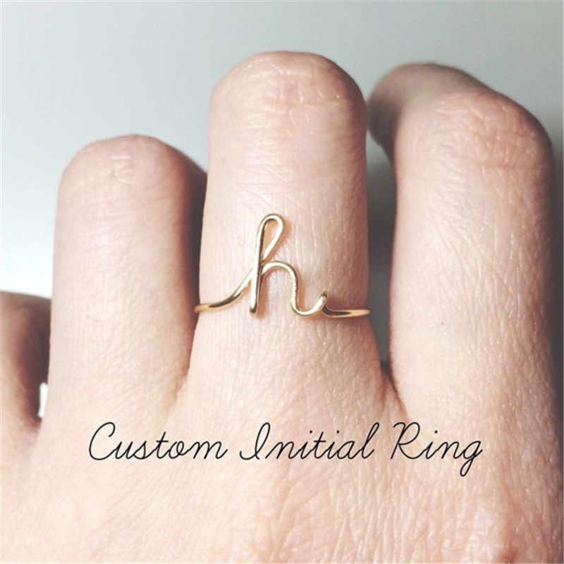 Unisex oro plata Color A-Z 26 letras iniciales nombre anillos para Mujeres Hombres aleación geométrica creativos anillos de dedo joyería al por mayor