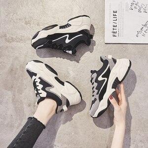 Image 1 - 2020 インホット販売春ファッション女性カジュアルシューズ革の厚底靴女性スニーカーレディースホワイトトレーナー Chaussure ファム