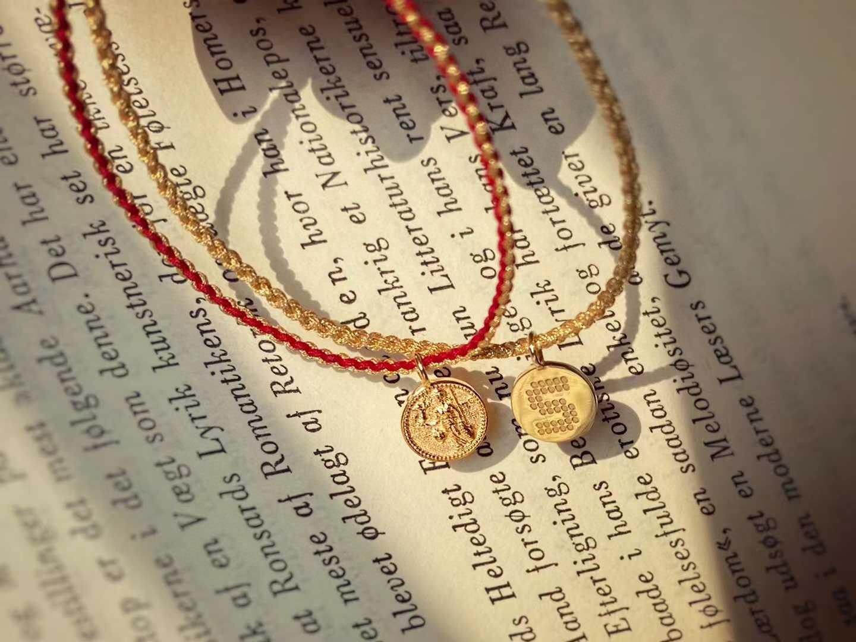 18k importação sólido amarelo ouro jóias (au750) feminino corrente alívio athena moeda pulseira pingente colar um multi-banda diy carta