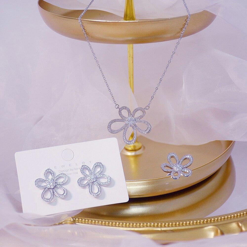Ins offre spéciale de luxe 14k véritable or soleil fleur femmes collier délicat Bling Micro incrusté Zircon Colar bijoux cadeau d'anniversaire 5