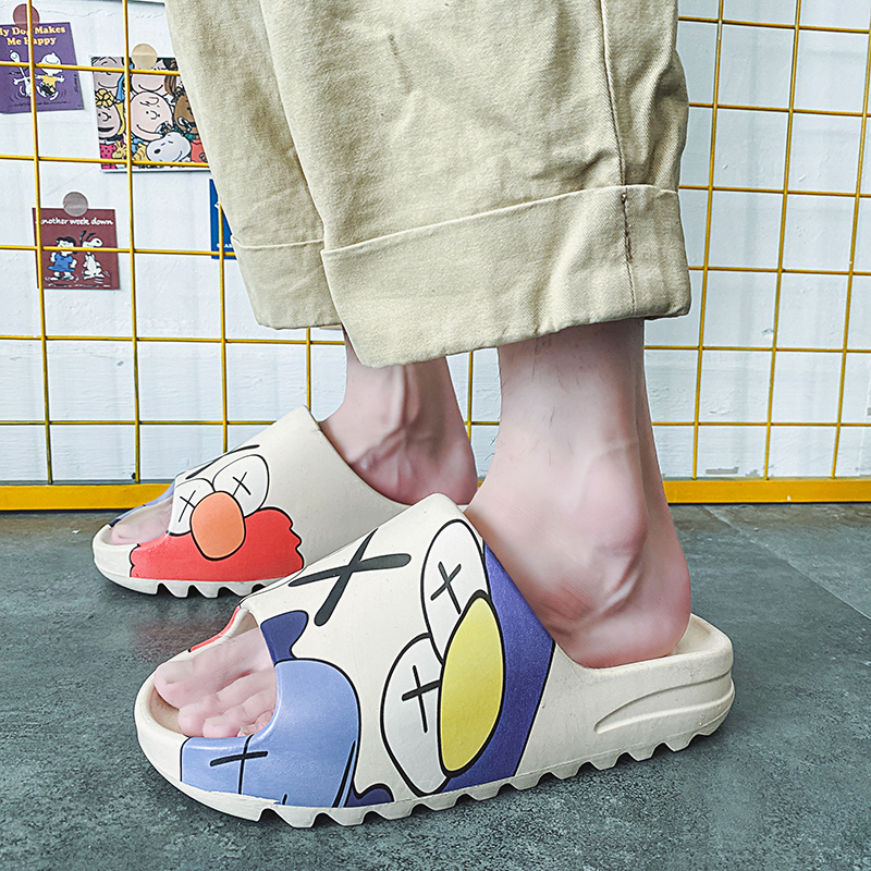 Light luxury brand slides 2021 coconut lovers shoes men's shoes indoor graffiti leisure beach slippers EVA cartoon shoes zapato