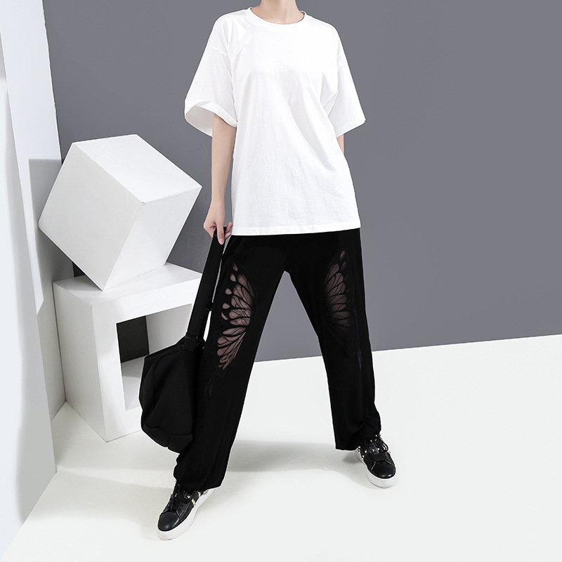 [EAM] Women White Back Hollow Out Temperament T-shirt New Round Neck Half Sleeve  Fashion Tide  Spring Summer 2020 1Y729 3