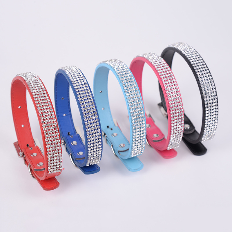 Manufacturers Direct Selling Outdoor Dog Pu Decoration Neck Ring Retractable Simple Solid Color With Man-made Diamond Neck Ring