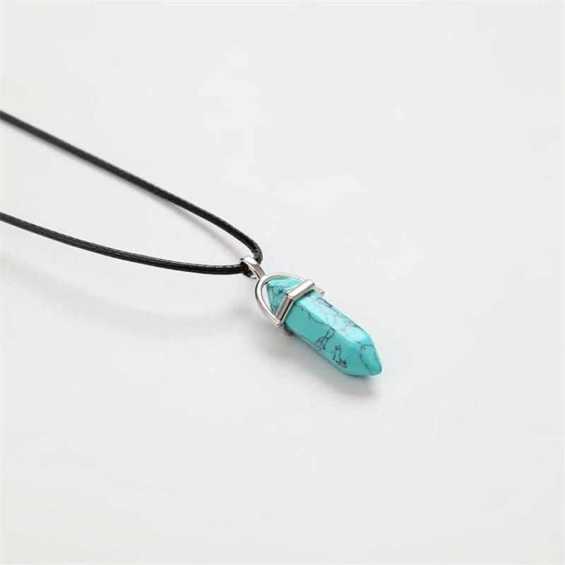 六角形のマルチカラーネックレス天然水晶クォーツ列宝石石トルコ石ペンダント革チェーンの女性の宝石