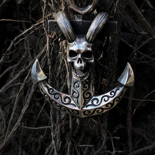 STAINLESS STEEL SKULL ANCHOR NECKLACE