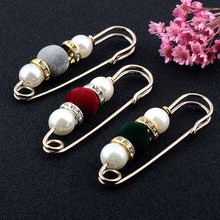 BTWGL Fashion WomenS Imitation Pearl Brooch Classic Charm High Quality Accessories Simple Flocking Beads Wild Models