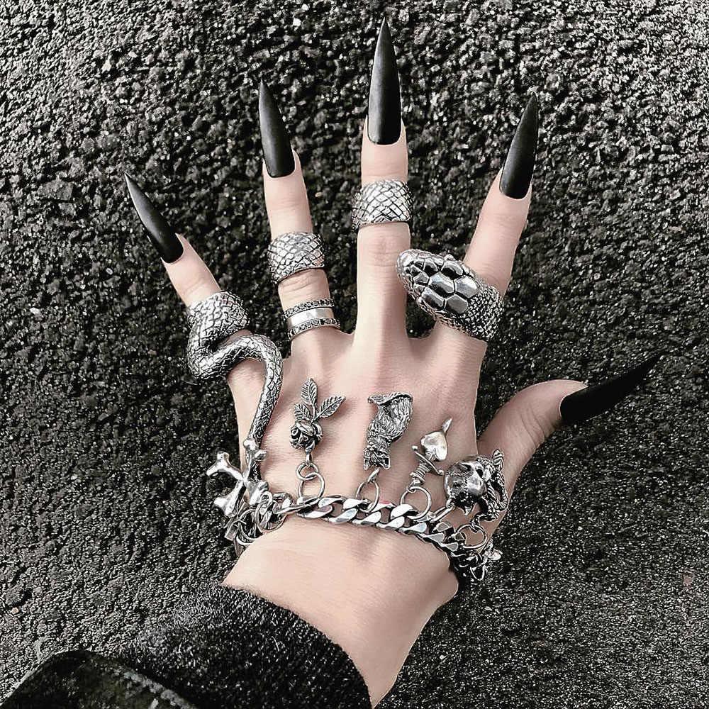 Accesorios G/óticos Rockero Masculino y Femenino Punk Rock Anillo Serpiente 4 Piezas Anillo Serpiente Joyer/ía Vintage Anillo Serpiente Moda para Mujer Negro y Plata Envejecida Anillo Serpiente