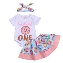 Комплект из 3 предметов, для маленьких детей, от 0 до 24 месяцев, летний хлопковый комплект одежды удобные мягкие Рубашка с короткими рукавами модный тренд для маленьких девочек пончики ползунки юбки повязка на голову