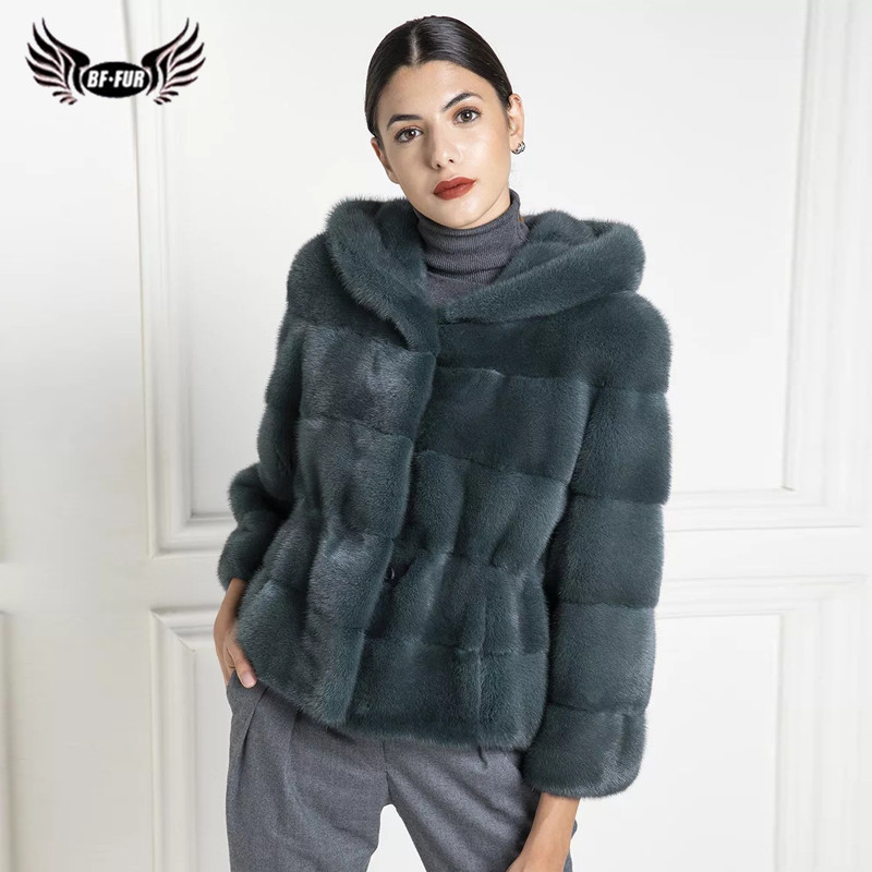 Women Fashion Short Genuine Mink Fur Jacket With Hood Natural Whole Skin Real Mink Fur Coat Russian Winter Fur Coats Outwear