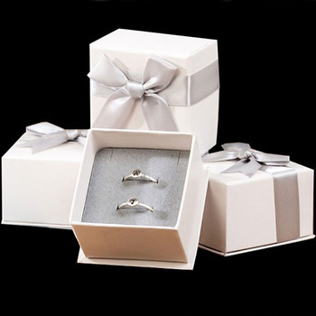 Square Box For Jewelry 7x7x4.5cm Ribbon bow Pendant Necklace Gift Packaging Box Paper Box For Ring Gift Jewelry Storage Cases