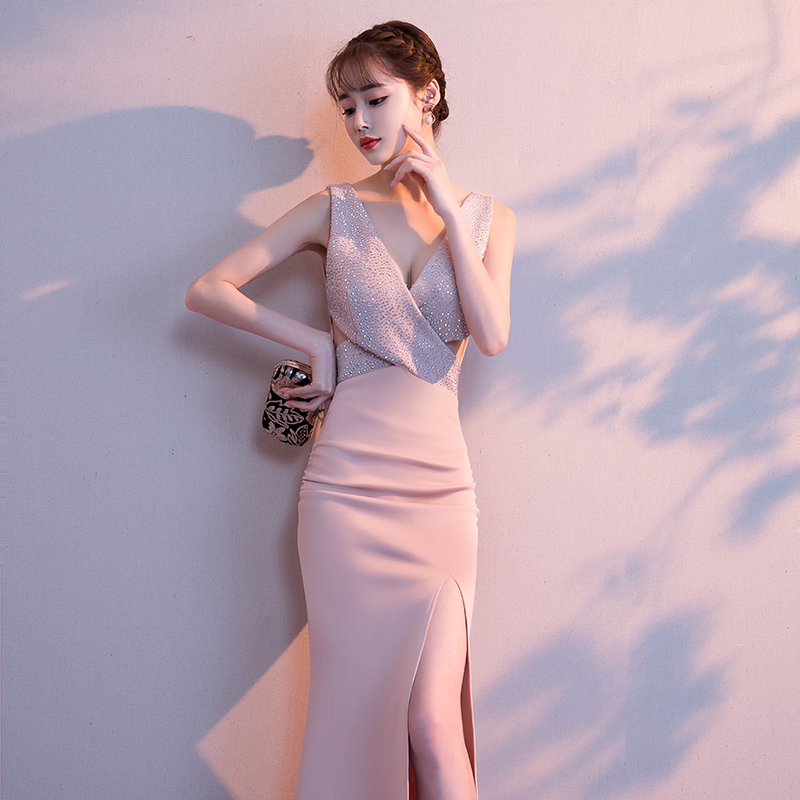 2019-Noble-Banquet-Gowns-Strap-V-Neck-Slim-Evening-Dress-Elegant-Women-High-Split-Cheongsam-Marrigahe (2)