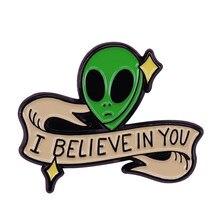 Pin de alien motivador que cree en ti y que está aquí para apoyarte en cualquier lugar
