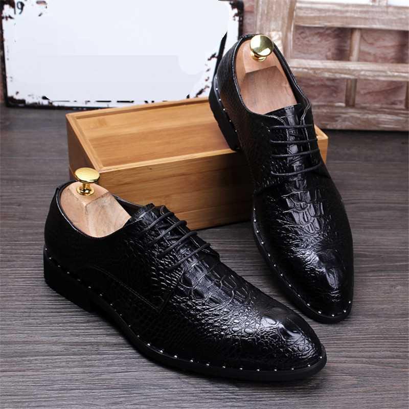 ファッション男性のワニの穀物革ドレスシューズ男カジュアルポインテッドトゥのオックスフォードメンズレースアップビジネスオフィスオックスフォード靴