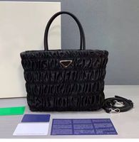 25x19cm P808 2020 New Luxury Design Women Hobo Pleated Bag Nylon Shoulder Bag Candy Color Summer Underarm Bag Handbag Travel bag