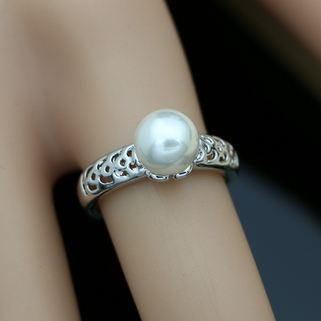 Simple Pearl Costume...