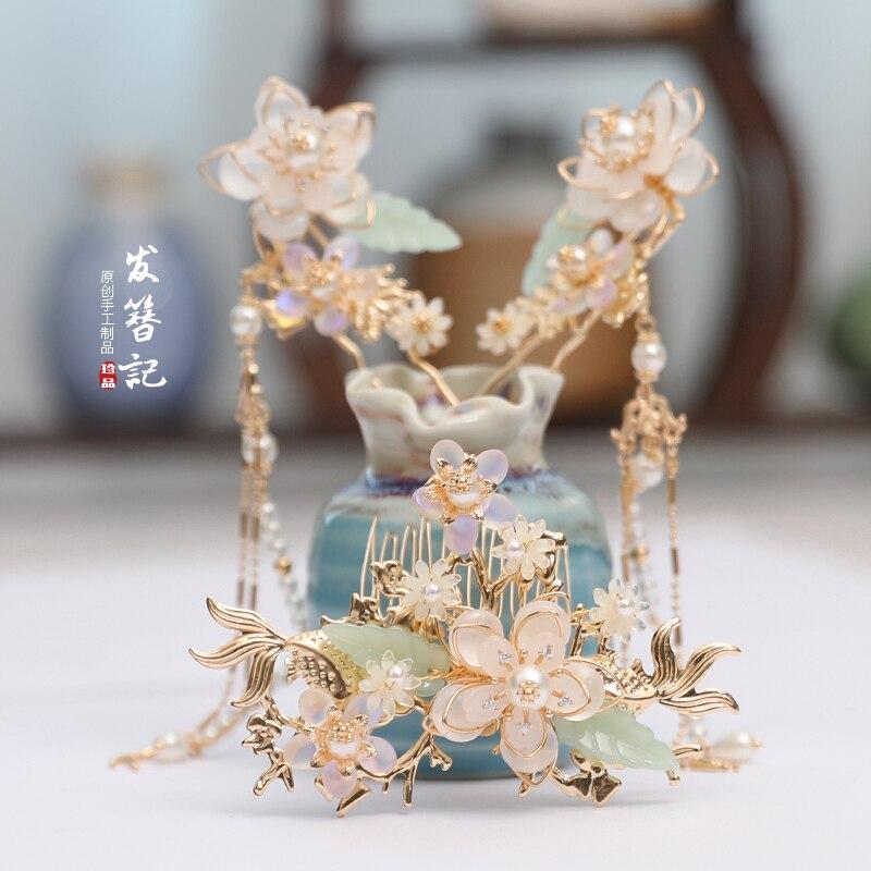 luxury handmade white tassel Chinese retro hair crown suit Martial arts fairy headdress Pearl shell hairpin clip