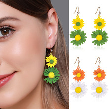 New Design Fashion Jewelry Sweet Love Colorful Small Daisy Flowers Dangle Earrings Female Simple Elegant Drop Earring for Woman