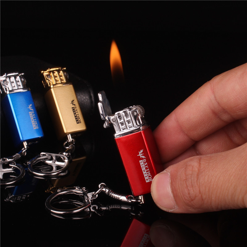 Creative Mini Keychain Lighter Free Fire Flint Gas Metal Lighter Grinding Wheel Butane Inflated Gasoline Cigarette Lighters