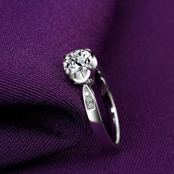 1 Carat 18k Gold Diamond Engagement Ring  2