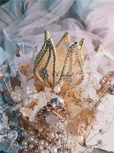Image 5 - PEORCHID יוקרה בעבודת יד קריסטל שרביט חתונה פרחים מלאכותיים פניני ריינסטון כלה זר מותאם אישית