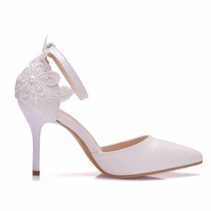 Image 2 - Crystal Queen zapatos de encaje blanco para mujer, calzado de tacón alto para banquete de boda, zapatos nupciales puntiagudos, zapatos sencillos rebeldes