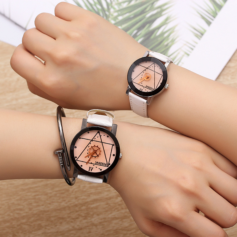 Couple Watches 2019 New Fashion Leather Lover's Watches Student Couple Watch Gifts  for Men Women Clock Pareja Pair no bangle