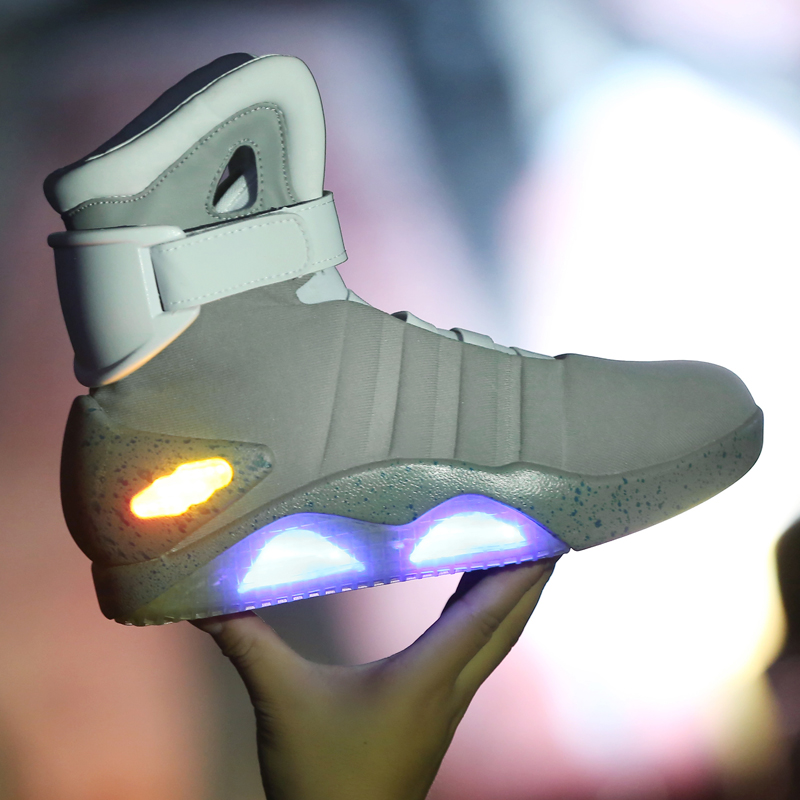 Retour vers le futur chaussures Cosplay Marty McFly baskets chaussures lumière LED lueur Tenis Masculino Adulto Cosplay chaussures rechargeables