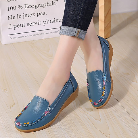 Women flats loafers 2019 new fashion comfortable mother women summer shoes soft genuine leather flat shoes woman  Casual shoes Pakistan