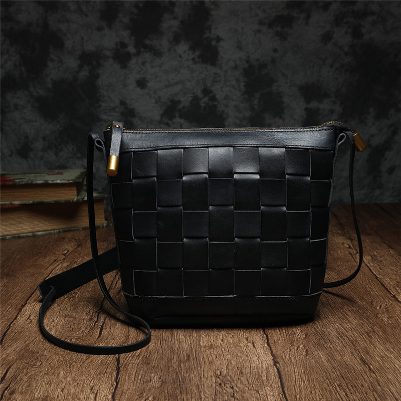 2020 New Vintage Leather Women Shoulder Diagonal Bag Leather Small Tote Bag Wild Retro Hand-Woven Female Bags Cow Leather Flap